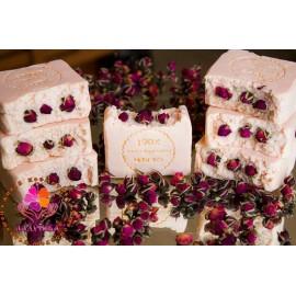 Мыло с шёлком и воском розы, 100гр, , 9.80 руб., Мыло с шёлком и воском розы, 100гр, ЛАДУШКА Натуральное мыло и косметика, Натуральное мыло ручной работы