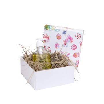 Упаковка подарка в коробку + бумажная стружка
